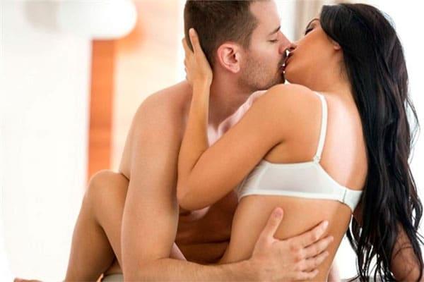 Tình dục đóng vai trò quan trọng trong cuộc sống lứa đôi