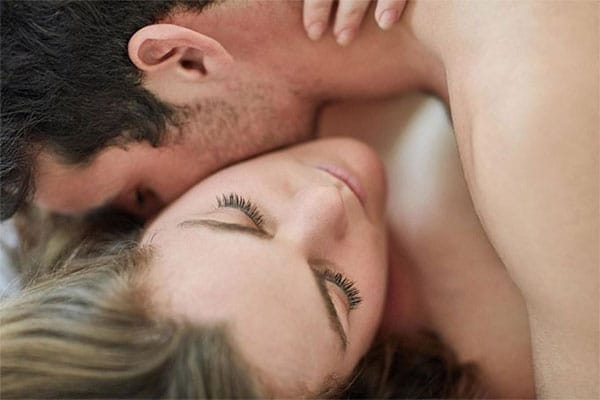 Những cách làm tình bằng tay cho nam giới mà bạn cần biết