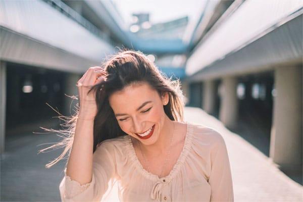 Người phụ nữ khi đạt trạng thái cực khoái sẽ tiết ra hormone làm giảm đi sự căng thẳng, điều tiết lại cảm xúc mang đến sự thoải mái, thư giãn