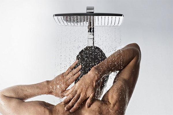 Tắm sau khi yêu có thể khiến cơ thể bị sốc nhiệt