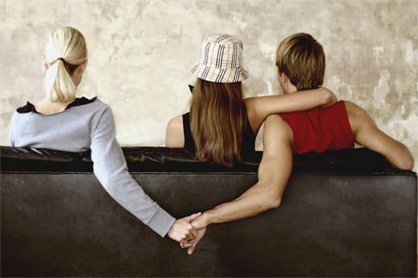 Việc sống chung dưới một mái nhà khiến bạn dễ dàng bỏ ra khoảng thời gian đúng nghĩa dành cho chồng